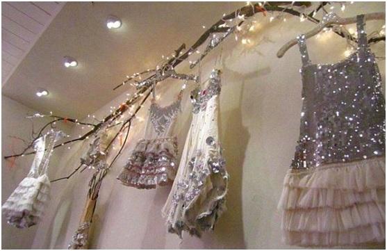 магазин с новогодними детскими платьями