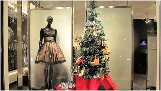 оформление новогодней витрины магазина одежды