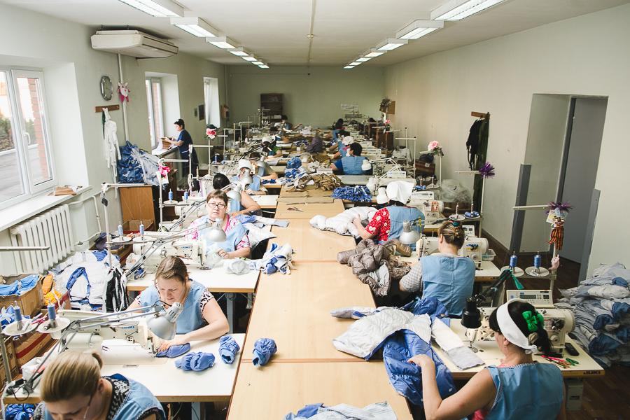 фабрика детской одежды Ариадна-96. Производство