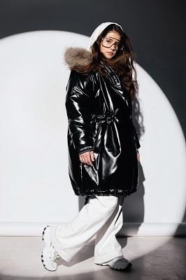 пальто для девочки из эко кожи gnk