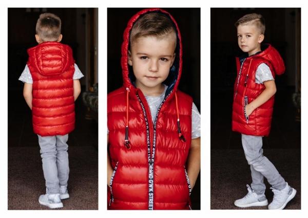яркие молнии и шнуры на курсорах в детской одежде фото